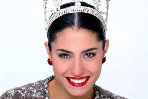 """En 1994 participa y gana el concurso """"Nuestra Belleza México"""" y en 1995..."""