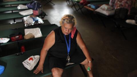Casi 40% de los residentes de la Isla permanecen sin luz, muchos otros s...