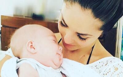 Anahí y su bebé Manuel