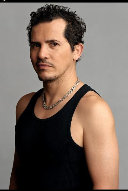 John Leguizamo:  Actor, comediante, actor vocal y productor de origen co...