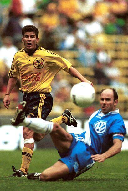 En el momento que ya era considerado ídolo en Chivas, Ramón Ramírez se a...
