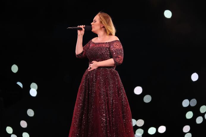 4. Adele (Cantante) - ingresos de 69 millones de dólares en el 2017