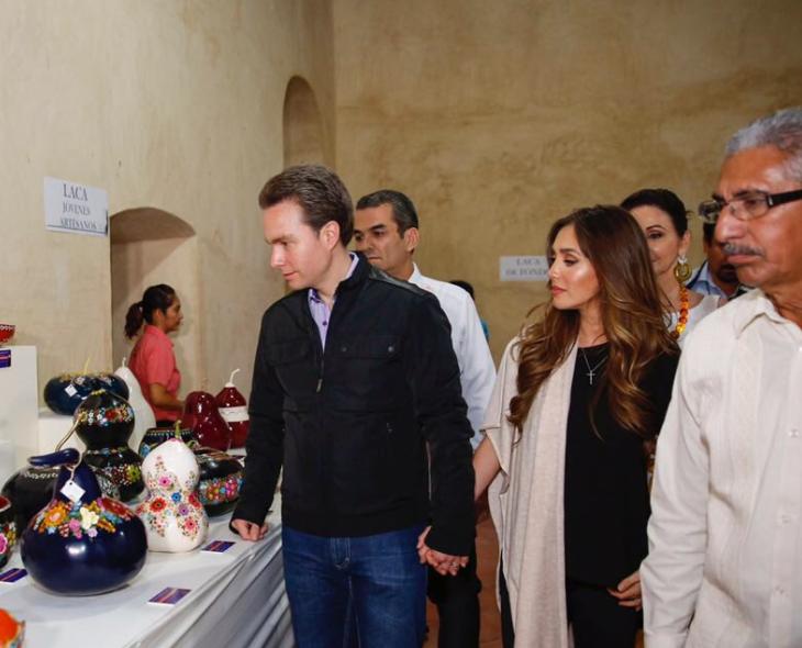 Anahí se dejó ver el 22 de enero junto a su esposo, el gobernador Manuel...