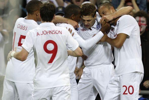 Valiosa victoria de Inglaterra, que ya piensa en la Eurocopa del 2012.