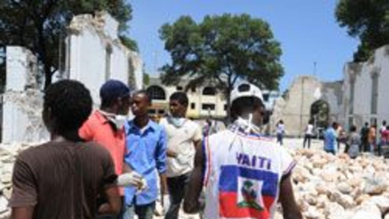 A seis meses del sismo en Haití, 1.5 millones de habitantes viven en cam...