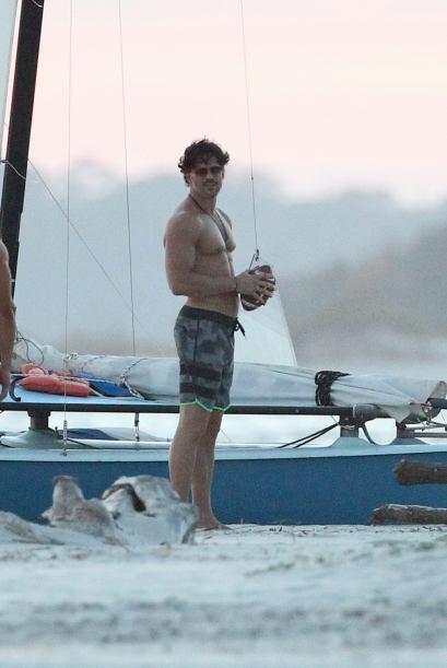El actor Joe Manganiello fue captado en las playas de Savannah luciendo...