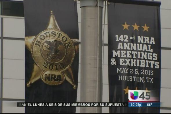 Mientras eso sucede en Austin, en Houston se celebra la Convención Anual...