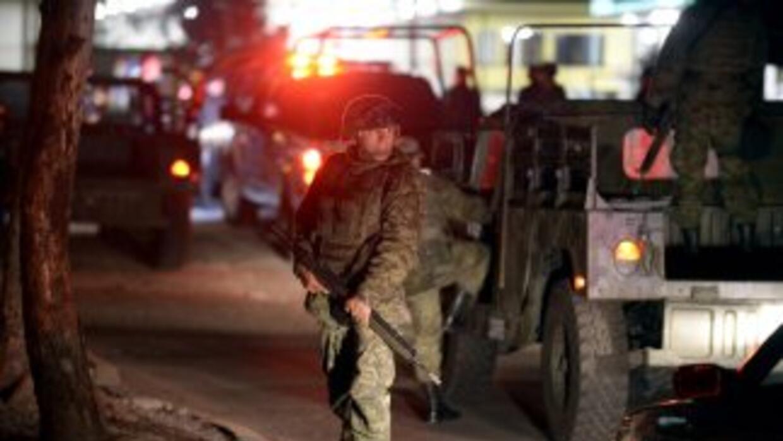 La fiscalía mexicana informó que más tres mil uniformados miembros de di...