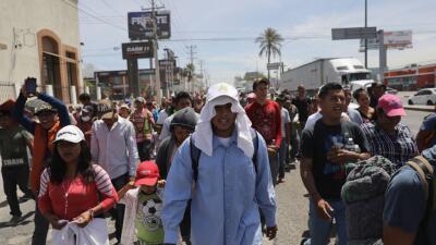La caravana de migrantes a su paso por Hermosillo.