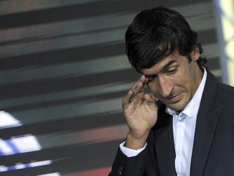 El emblemático delantero Raúl González puso fin a s...