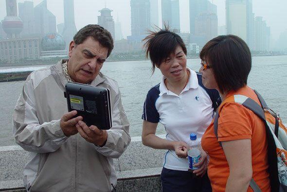 Don Francisco llevó su cámara viajera a China, en donde conoció mucho so...