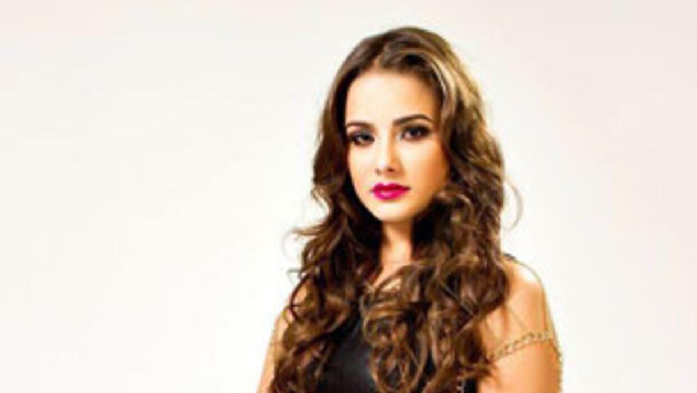 DJ Carolina small