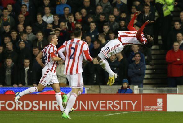 El Stoke se hizo con el dominio del juego y acabó imponiéndose por 3-1.
