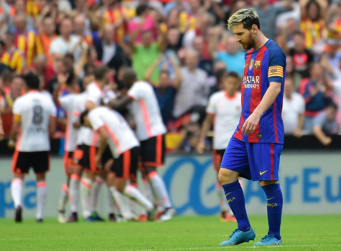 El intenso triunfo de Barcelona en su visita el Valencia en España Getty...