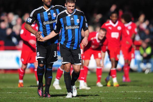 Para tranquilidad del equipo de la Premier, Jonathan Walters marcó de pe...