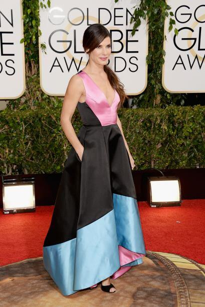 En esta ocasión Sandra Bullock erró terriblemente con ese vestido de Pra...