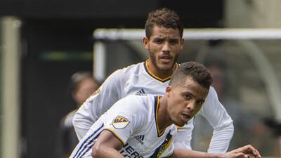 El equipo de 'Gio' y 'Jona' necesita un goleador.