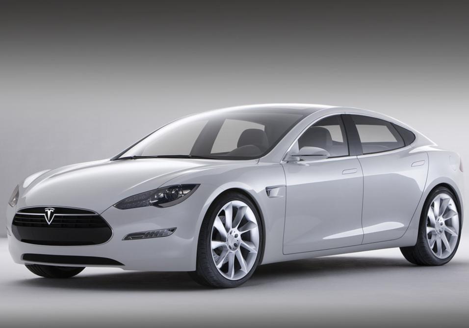Héroe sacrifica su Tesla Model S para salvar a un conductor inconsciente...