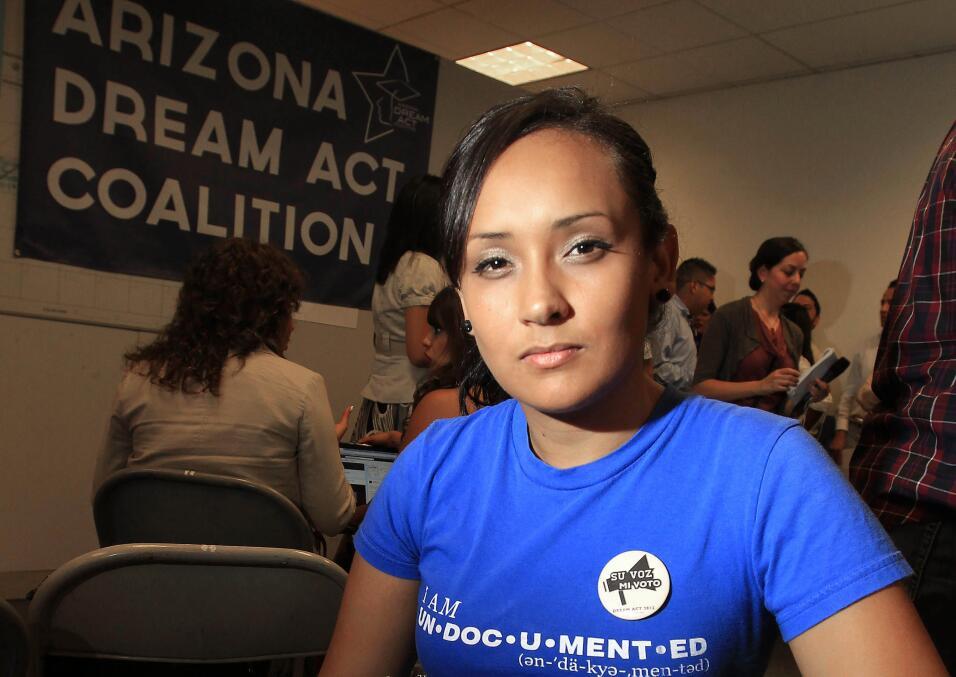 La actvista Erika Andiola, una inmigrante de origen mexicano protegida e...