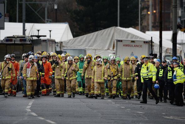 Autoridades escocesas lograron, el lunbes, retirar un helicóptero que se...