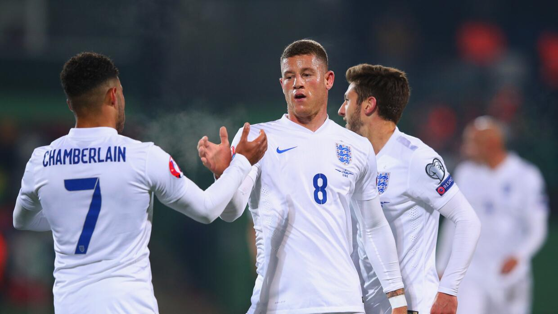 Inglaterra se impone en visita a Lituania