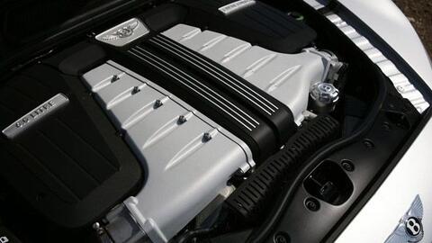 El icónico W12 de Bentley ha evolucionado y ahora es más limpio y potente.