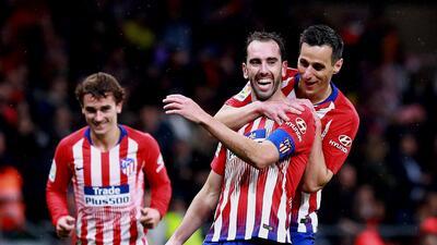 ¡Del gozo al pozo! Godín logra el gol del triunfo, pero una lesión le impediría jugar ante el Barça