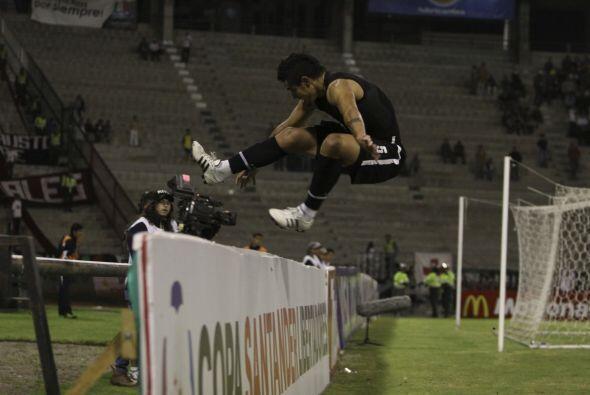 ¿Carrera con obstáculo en una competición de atletismo?, no, nada que ve...