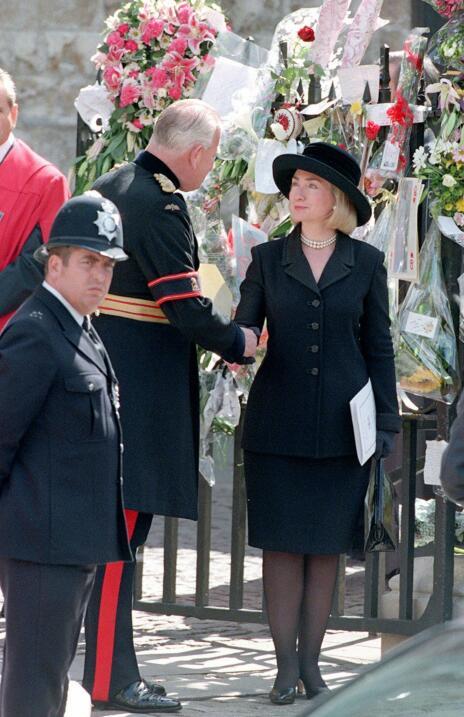 Hillary Clinton en el funeral de Lady Di