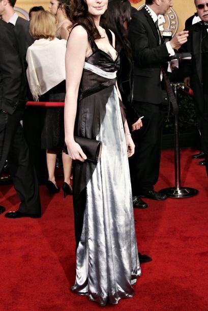 Nos queda claro que Anne Hathaway ha aprendido mucho de los errores que...