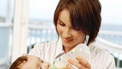 Consumer Reports hizo su primera advertencia sobre el BPA en los biberon...