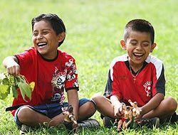 Según un informe difundido hoy por el Instituto Urbano, los niños de inm...