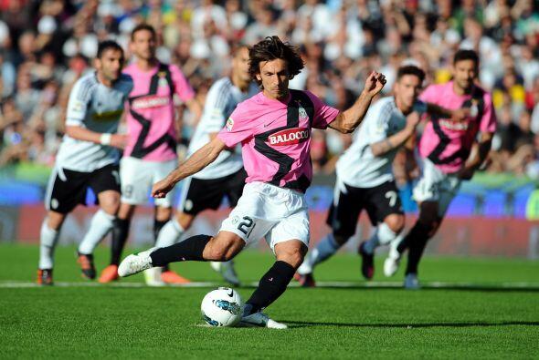 La 'Juve' enfrentó al Cesena y en el primer tiempo tuvo un penalti a fav...