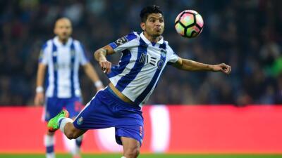Porto golea 4-0 al Tondela y es líder en Portugal