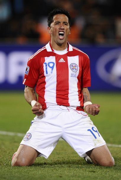 Goleador de raza, el atacante de Paraguay Lucas Barrios (Borussia Dortmu...