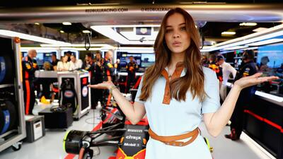 Bárbara Palvin, la espectacular modelo que acompañó el Gran Premio de España
