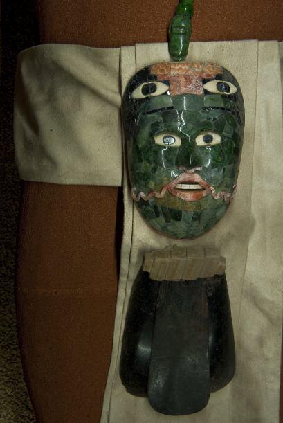 Está integrada por 147 piezas mayas, entre las que destacan 13 máscaras...