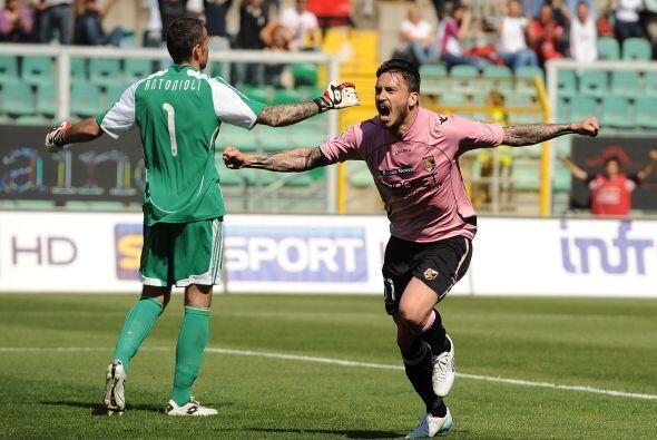 Tan solo al minuto 36 el Palermo le estaba ganado 2-0 de local al Cesena.