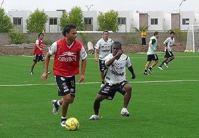 Santos Laguna se prepara para debutar en su nuevo estadio y para el arra...