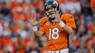 Peyton Manning lanzó tres pases de touchdown, todos a Julius Thomas y lo...
