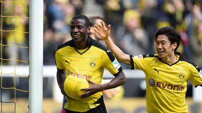 El Borussia Dortmund gana 3-0 al Hamburgo con doblete del colombiano Ramos