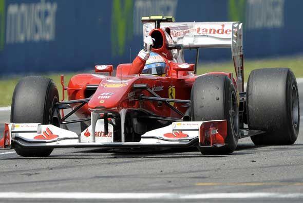 Alonso celebró ante su público el segundo lugar que lo dej...