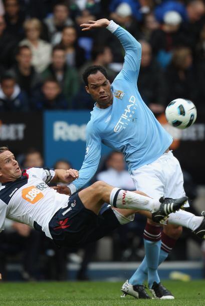 El defensor inglés fio una gran actuación ante el Bolton.