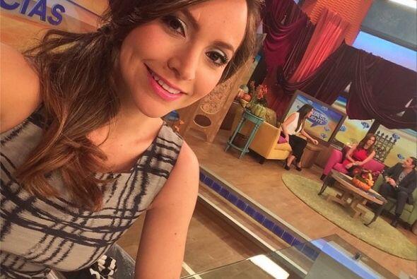 """""""Mientras ellos """"revoltillaban"""", yo me tomaba la #selfie del #lunes. Que..."""