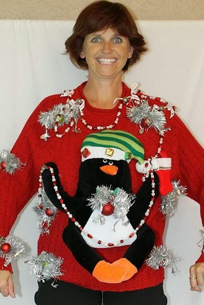 Las creaciones festivas incluyen campanas, peluches, guirnaldas, luces,...