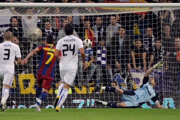 El Barcelona se adelantaba y comenzaba a jugar con uno más con todo el s...