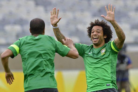 La selección Brasileña se caracteriza por tener futbolistas muy atractiv...