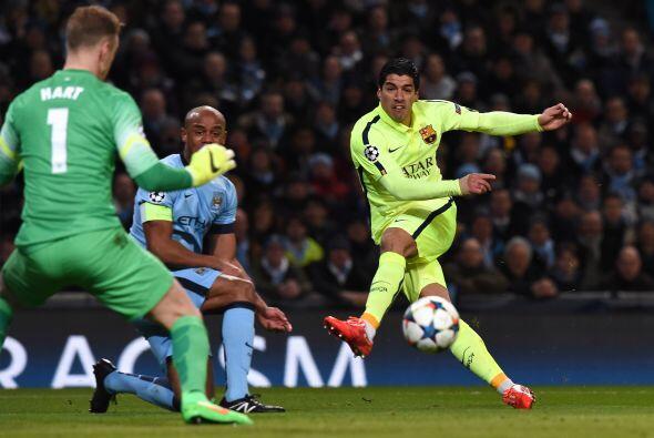 El primer gol caería con fortuna debido a que Suárez inten...