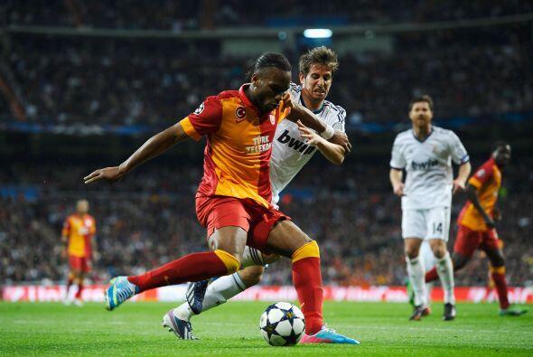 En la segunda mitad el Galatasaray adelantó líneas, pero sin éxicto.
