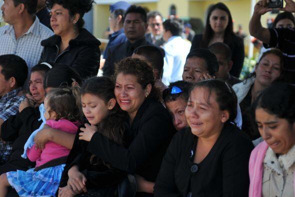 Según funcionarios federales mexicanos, los migrantes, quienes iban repa...